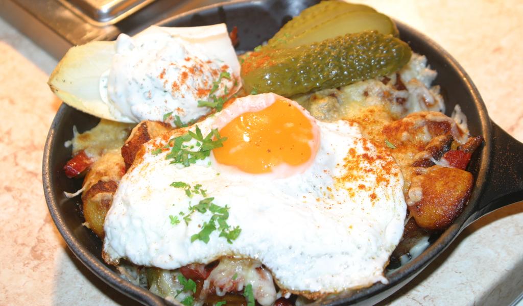Pfanne Budapest - Auf Wunsch auch mit Ei